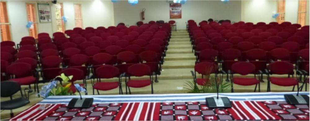 La salle de conférence modernisée de l'ISSP : wifi ; visioconférence…